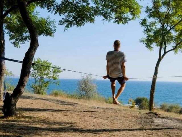 Is Slacklining a Good Workout? Amazing Benefits of Workouts