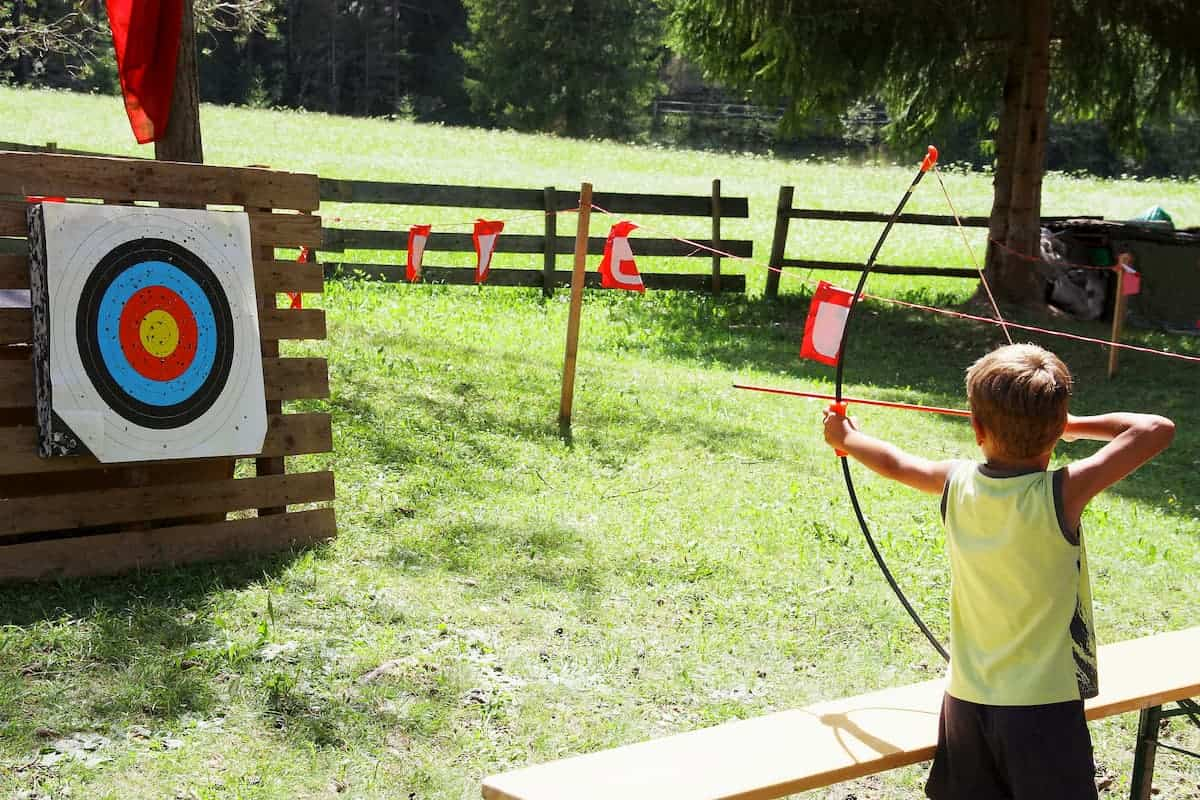 What is the Best Age to Start Archery? Is It Dangerous Young