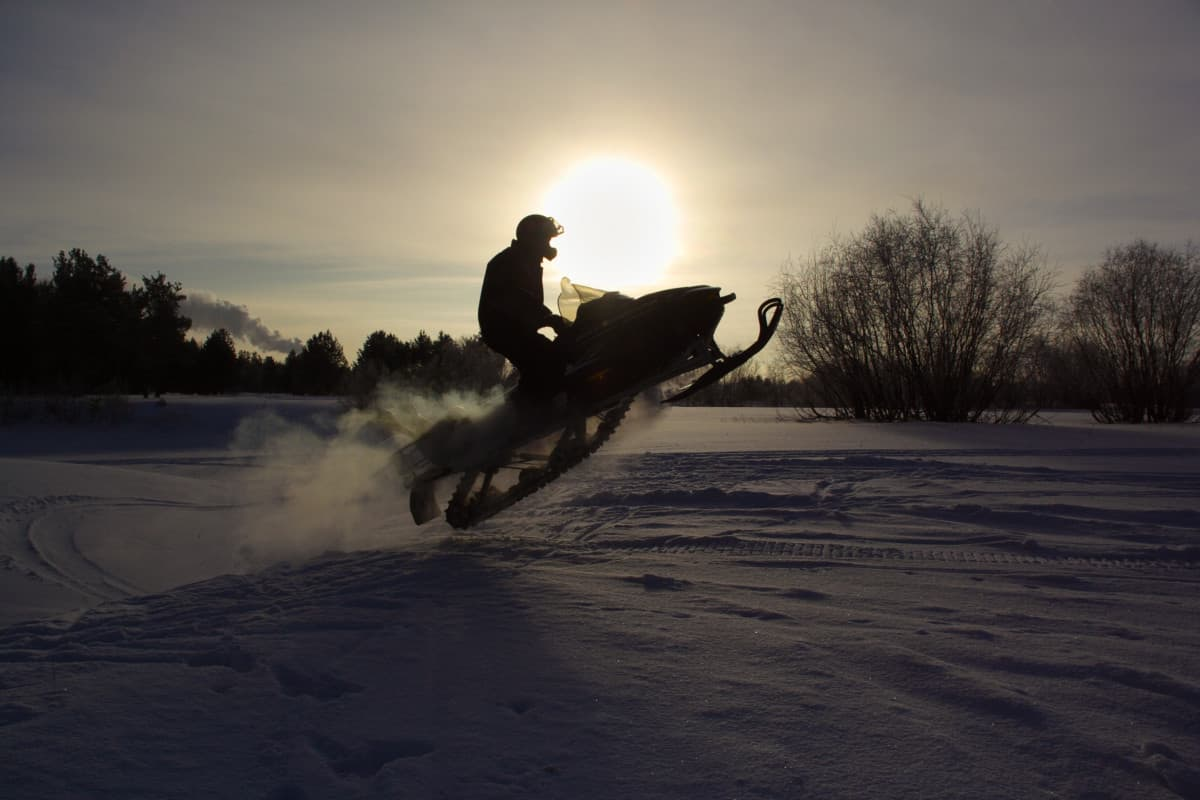 Can a Snowmobile Run Without a Thermostat?