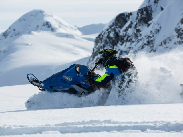Can a Snowmobile Run Without a Can or a Belt?