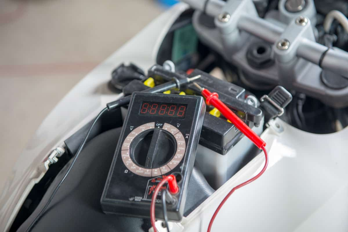 battery with multimeter